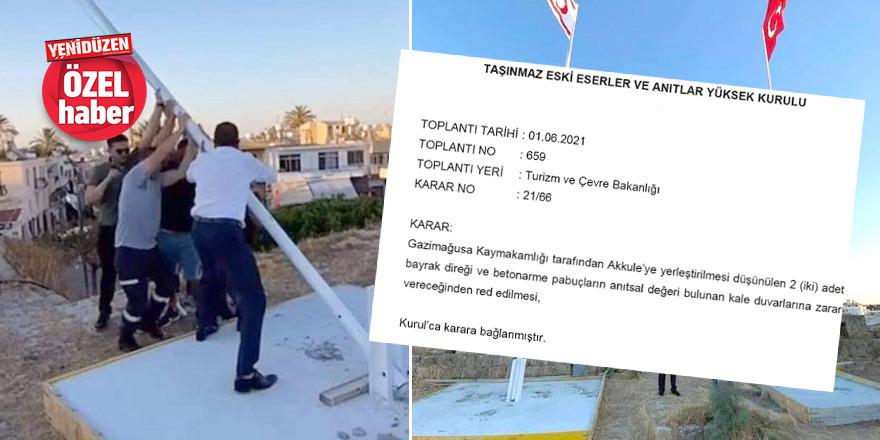 Anıtlar Yüksek Kurulu 'iptal' dedi,bayraklar kaldırılmadı
