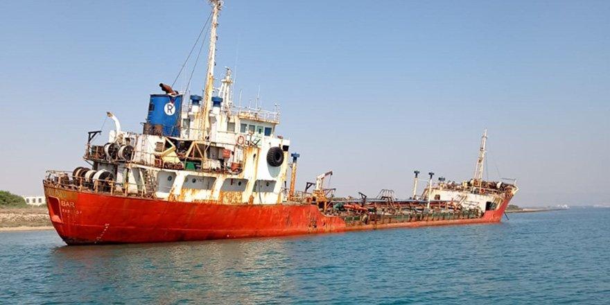 Gülseren bölgesinde karaya oturan tankeri kurtarma çalışmaları başladı