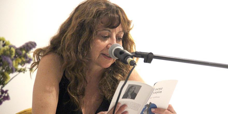 Neşe Yaşın'ın düş dünyası bu kez okuyucuyu masalsı şiirlerle dolu bir evrene götürüyor