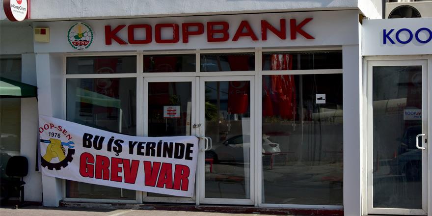 Koopbank'ta grev devam ediyor