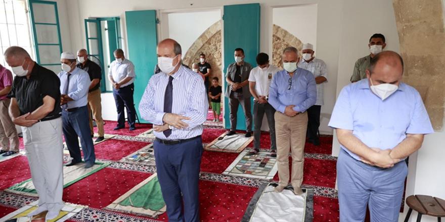 Kapalı Maraş'ta ilk cuma namazı kılındı