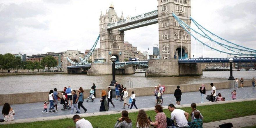 İngiltere sona yaklaştı: Sürü bağışıklığı yüzde 87