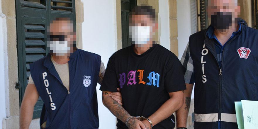 Posta'daki paketlerde damadına ait uyuşturucu çıktı
