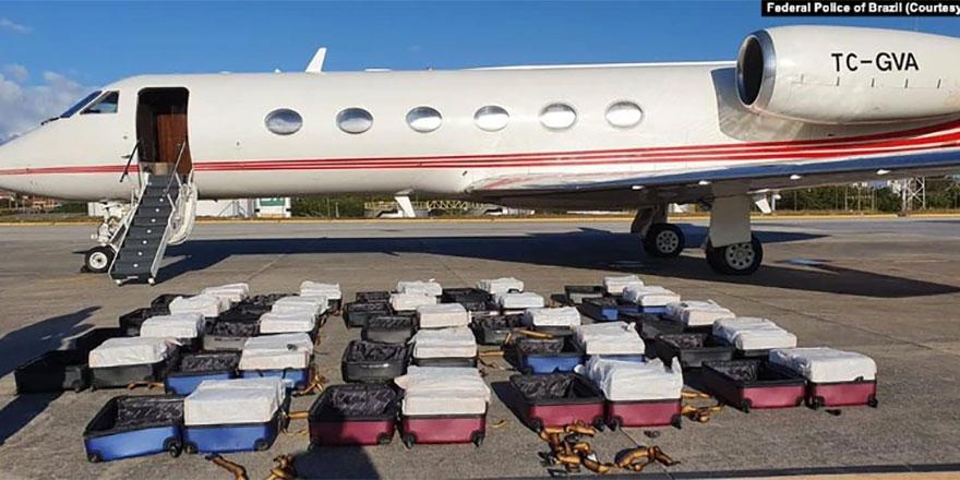 Brezilya'da TC firmasına ait iş jetinde 1304 kilo kokain bulundu