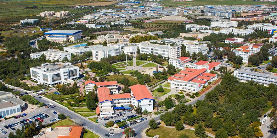 DAÜ Fen ve Edebiyat Fakültesi ilk 300 fakülte arasına girdi