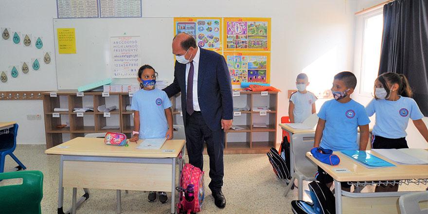 Değirmenlik Belediyesi okullara temizlik ve bakım yaptırdı