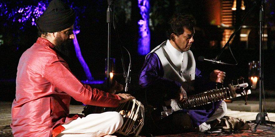 Hint klasik müziği Kıbrıs semalarında yankılandı