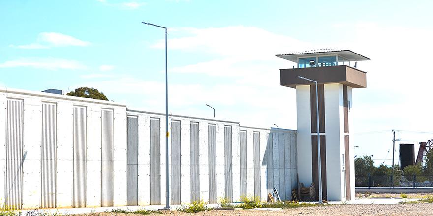 Pozitif mahkum ve tutuklular Cuma'ya kadar yeni cezaevine aktarılacak