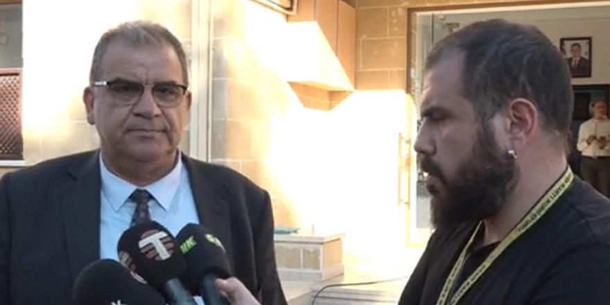 UBP'de gündem: Kurultay 3 aday katıldı,  Saner toplantıda yok