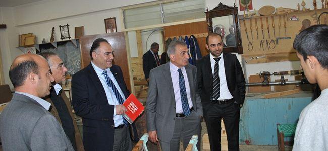 Arabacıoğlu özel eğitim merkezlerini ziyaret etti