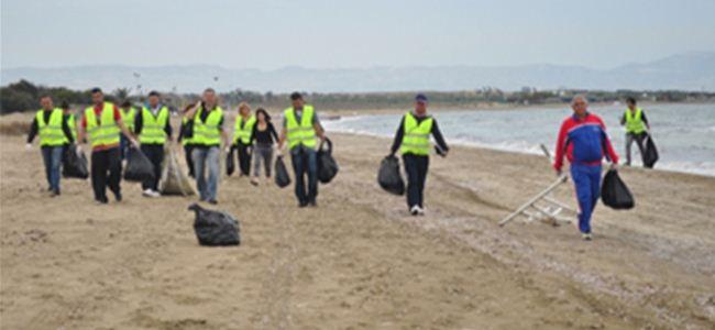 MAGEM Glapsides Plajını temizliyor…