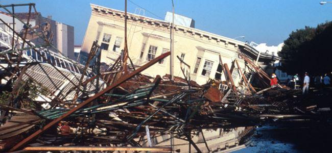 Deprem tarihi binalara hasar verdi