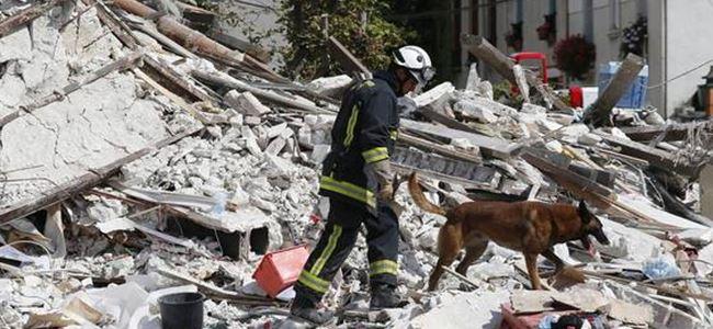 Pariste çöken binada ölü sayısı arttı