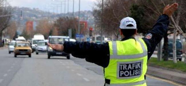 Polisten sürücülere UYARI