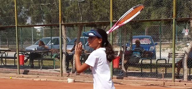 Teniste yaş turnuvaları start aldı