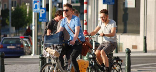 Bir gün boyunca araba yerine , bisiklet