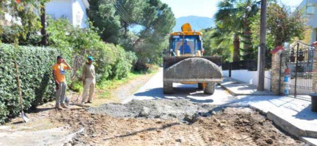 Girne'de asfaltlar dökülüyor
