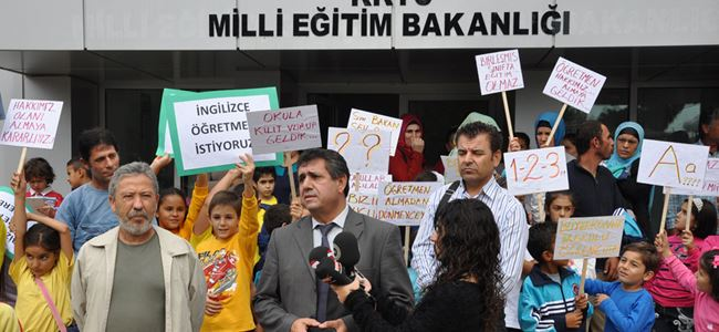 KTÖS bakanlık önünde eylem yaptı