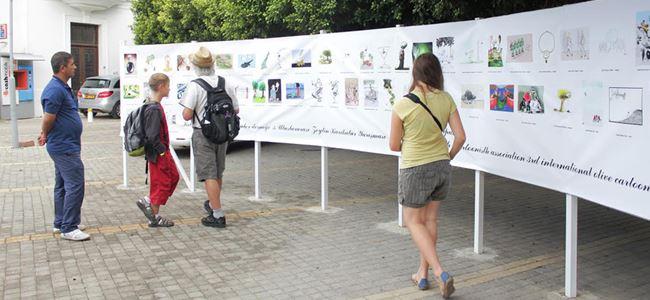 Uluslararası Zeytin Karikatürleri Sergisine yoğun ilgi
