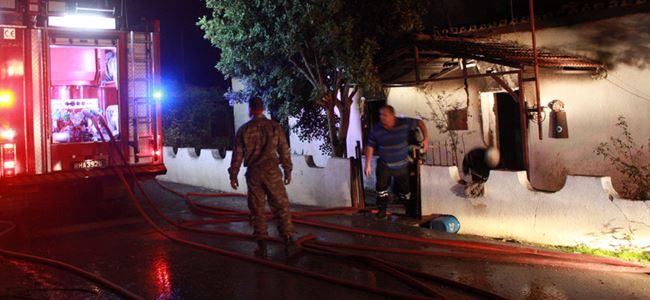 Uyarın'a ait ev tamamen yandı!