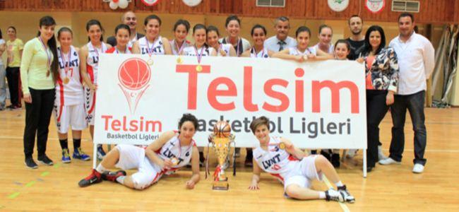 Genç bayanlarda şampiyon Levent
