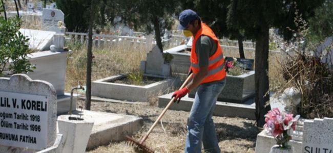 Lefkoşa Mezarlığı'nda temizlik