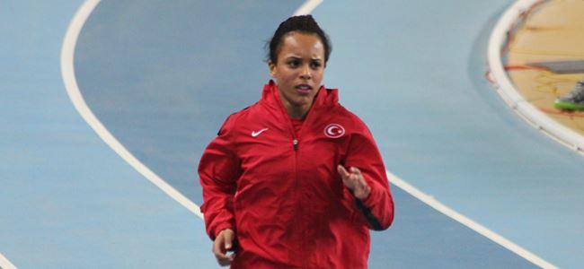 Atletler İzmir'de yarışıyor