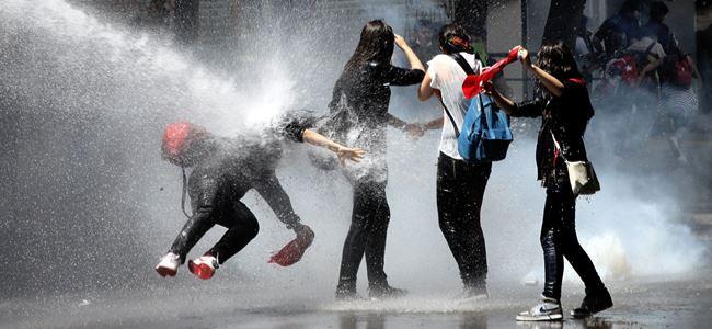 Türk medyası protestoları kapsamlı ve titiz bir şekilde izlemeli
