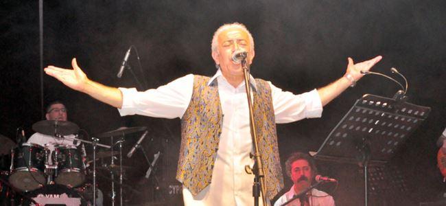 Edip Akbayram'dan unutulmaz konser...
