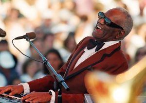 """Soul müziğin kralı """"Ray Charles"""" unutulmaz şarkılarıyla yaşıyor"""
