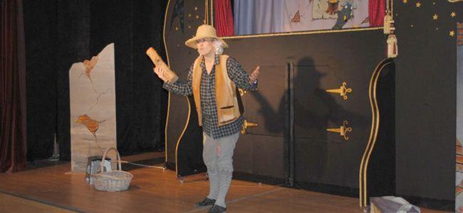 Girne Belediyesi Kukla Tiyatrosu oyunlarına ilgi devam ediyor