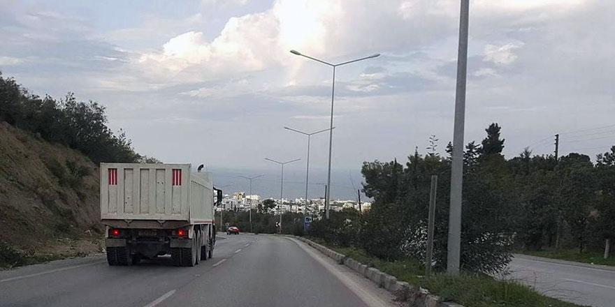 Karayolları Dairesi Girne-Lefkoşa ana yolunu yeniden ağır vasıtalara kapattı