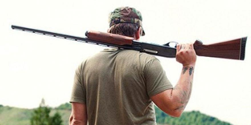 Av tüfeğini araçta taşıyan 2 kişiye yasal işlem