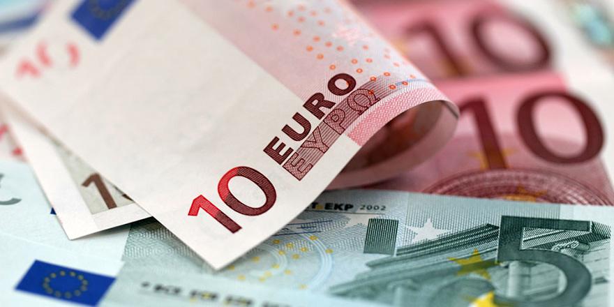 Kayıp Şahıslar Komistesi'ne 50 Bin Euro Bağış