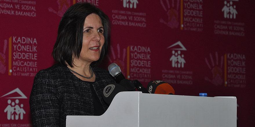 """""""Kadına Yönelik Şiddetle Mücadele Çalıştayı"""" yapıldı"""