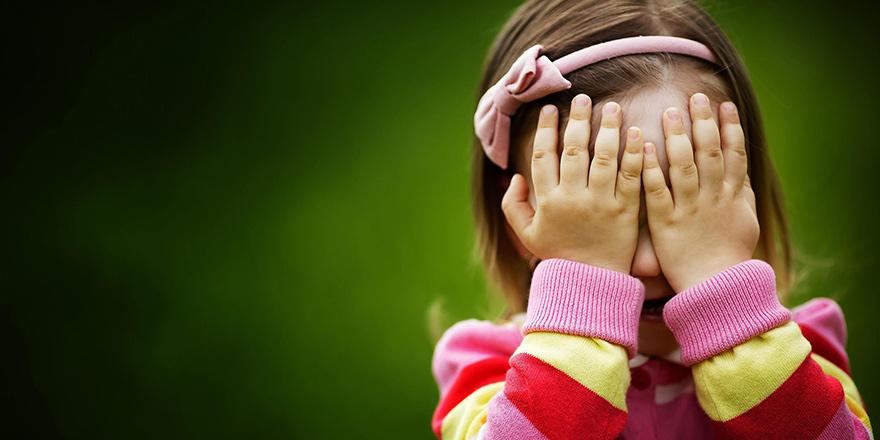 Kaygılı bir ailenin kaygılı bir çocuğu olur