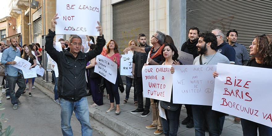 """Liderlere çağrı: """"Kıbrıs'ı birleştirin"""""""