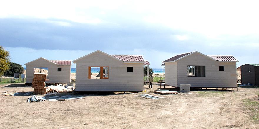 27 bungalov taşınıyor