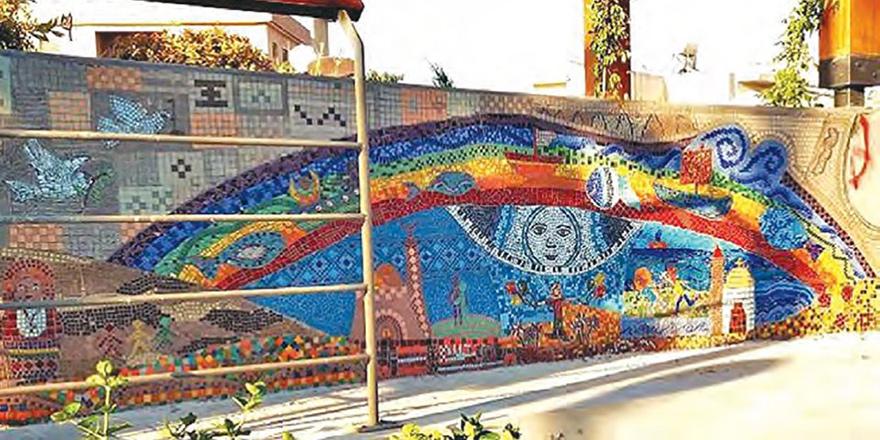 Barış Meydan'ında mozaik