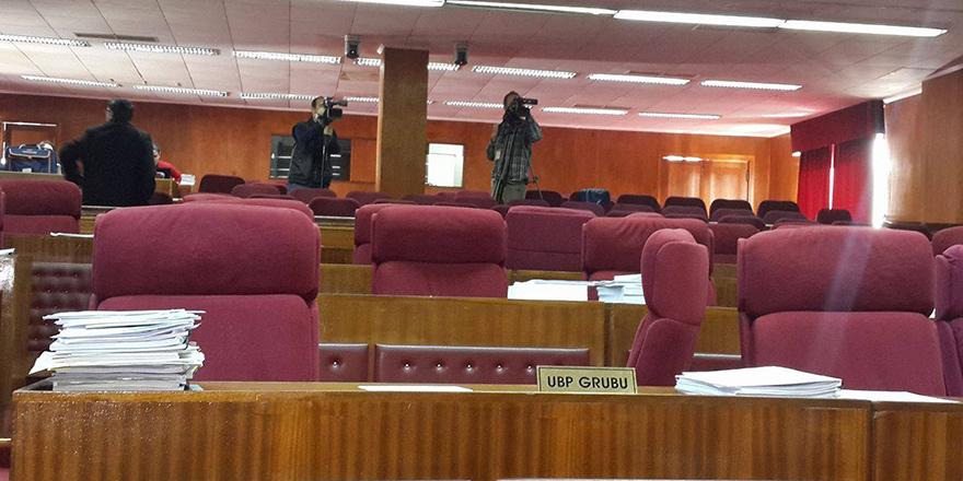 UBP kaynıyor, tartışmalı UBP Meclis Grubu toplantısı