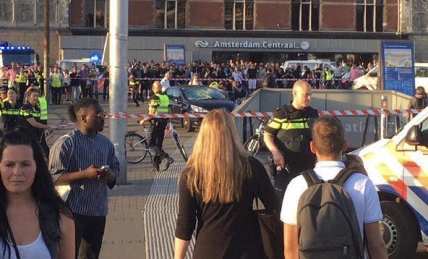 Amsterdam'da araç yayaları ezdi: 5 yaralı
