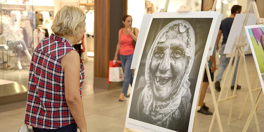 Sanat Engel Tanımaz sergisi Airport Mall'da