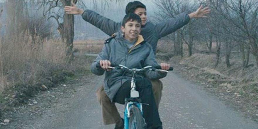Mavi Bisiklet'e İran'dan ödül