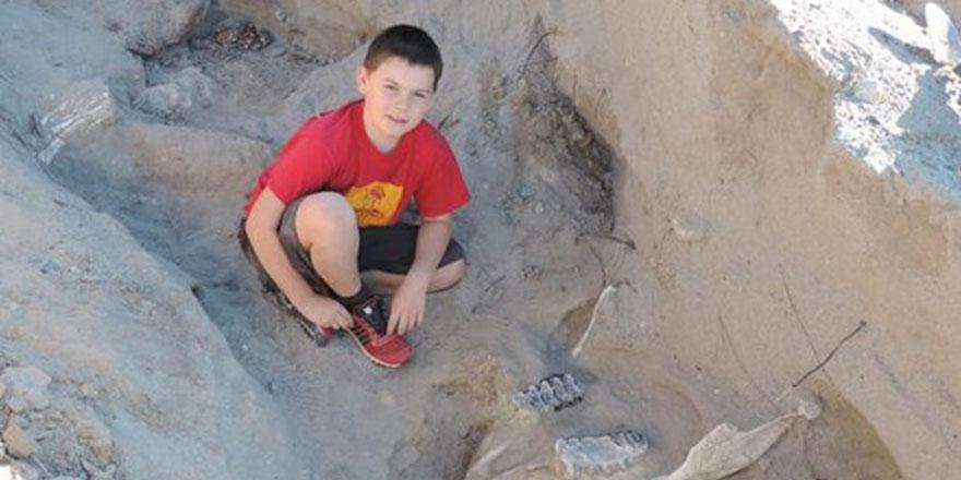 Çocuk, 1.2 milyon yıllık fosilleri keşfetti