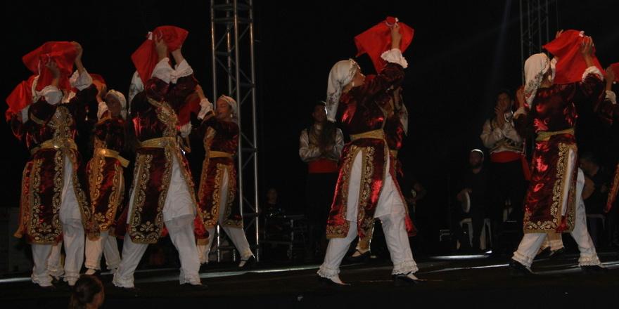 Beyarmudu'nda festival zamanı