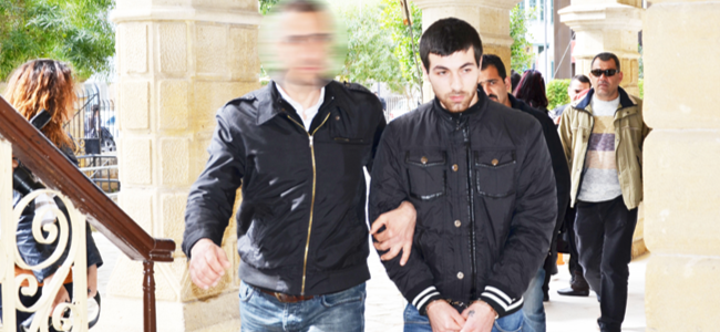 Kelesidis cezaevine, Yönlüer teminatla serbest
