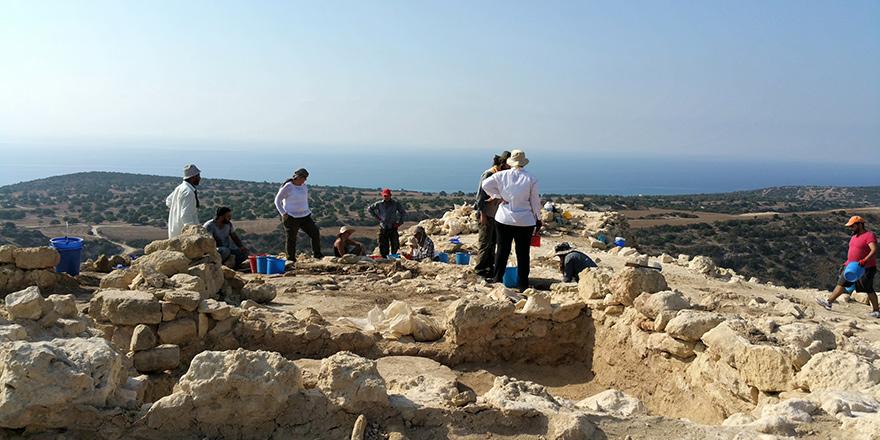 Kıbrıs'ta Çözümü Beklerken Kültürel Mirasa Sahip Çıkmak: Kaleburnu Kral Tepesi Kurtarma Kazısı