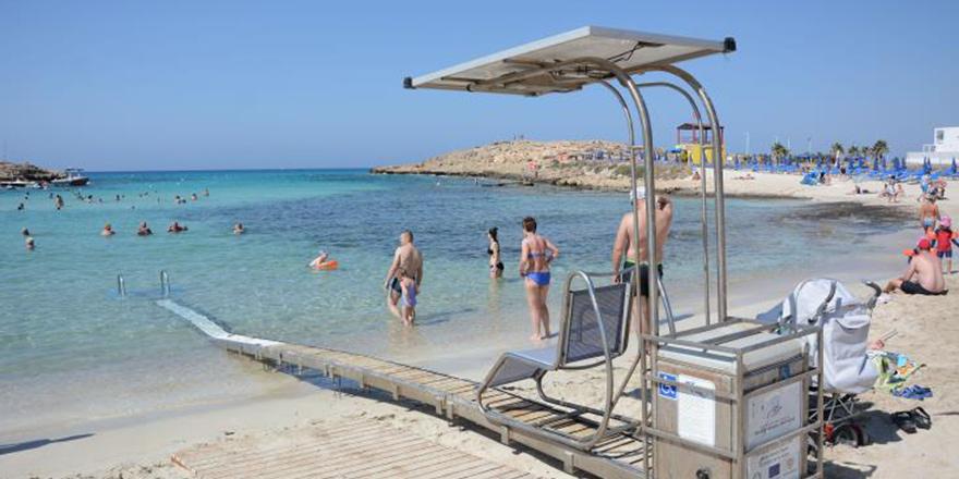 Kıbrıs'ın güneyi: Özel ihtiyaçlı kişiler için 47 halk plajı
