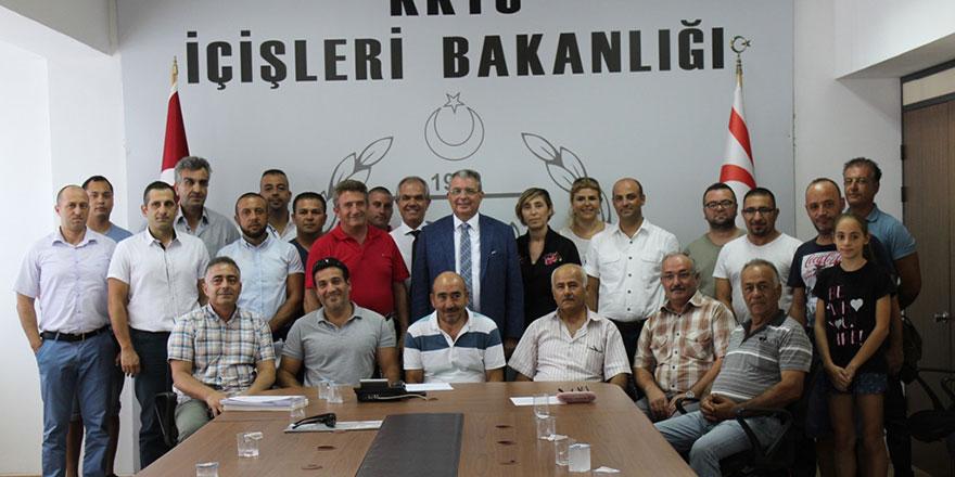 Girne'de Oray Sitesi sakinleri tapularını aldı