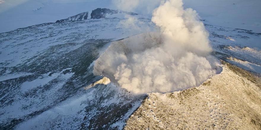 Buzullar altında 91 yanardağ bulundu